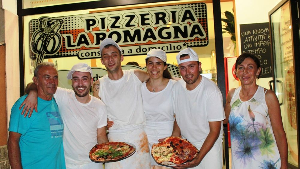 A soli 19 anni anni si tuffa nella pizza da asporto apre - Pizzeria bagno di romagna ...