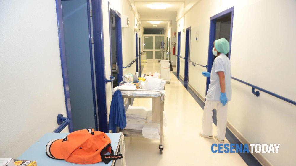 Portatori di peg l 39 ausl assistenza ripresa a febbraio - Ripresa di nascosto in bagno ...