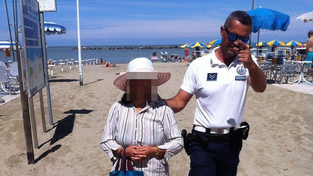 Si Rivedono Le Massaggiatrici Cinesi In Spiaggia La