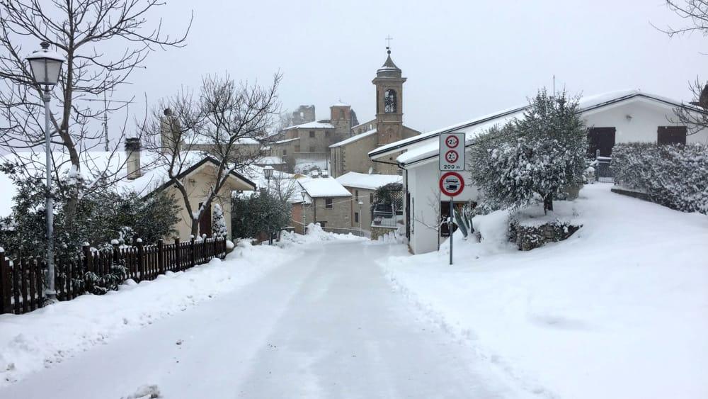 Irruzione fredda porta neve in collina e mare agitato al - Meteo bagno di romagna domani ...