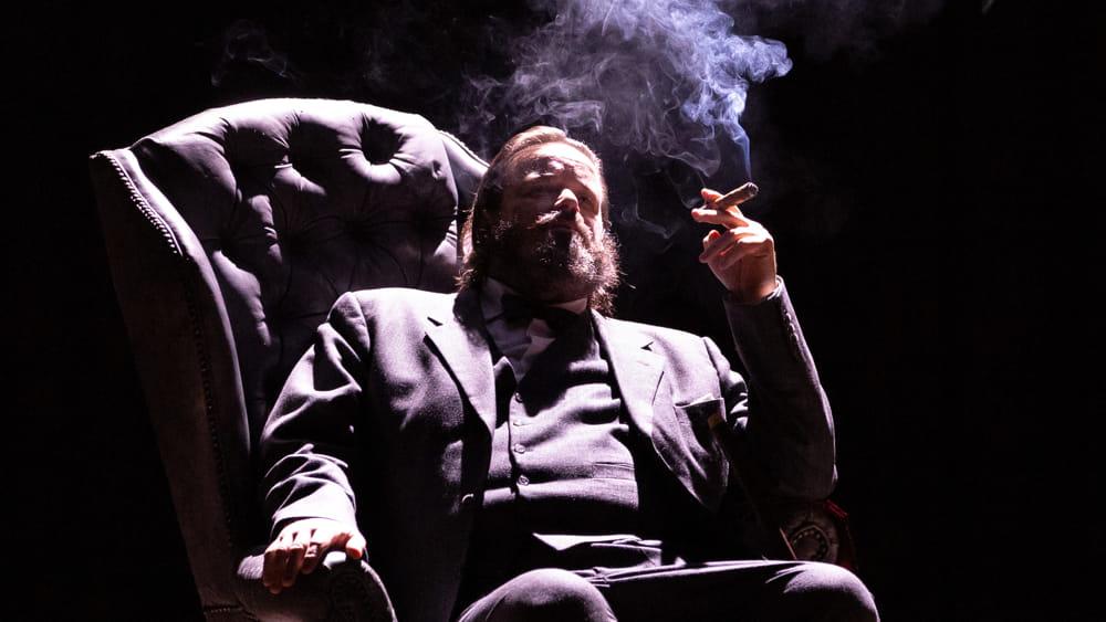 Giuseppe Battiston porta sul palco Winston Churchill - CesenaToday