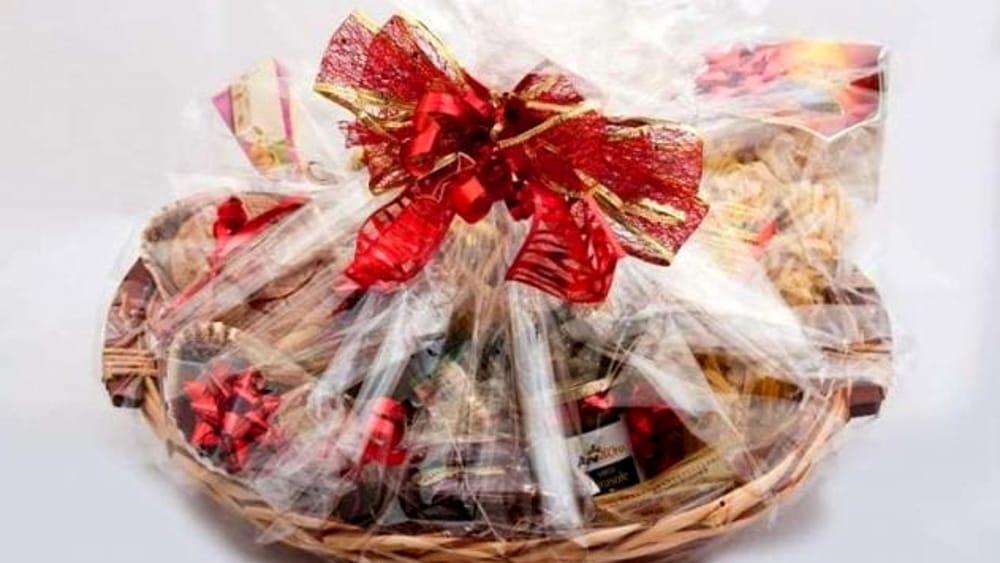 11a5819a66cfc2 Il cesto natalizio fai da te: idee per un regalo creativo e personalizzato  - Blog